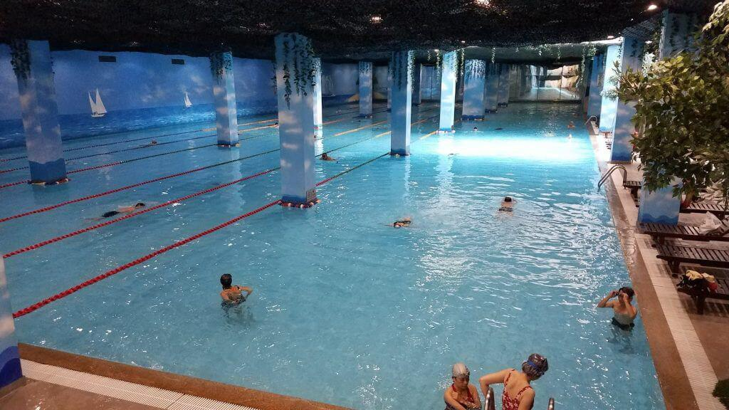 Bể bơi người lớn trong nhà vinhomes Đan Phượng